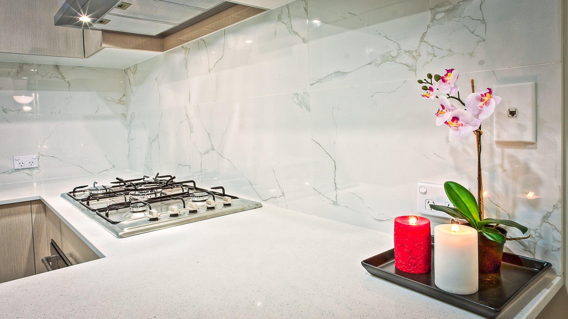 Glas Service München, Glaserei Fensterglas Isolierglas glas service münchen, muenchen, glaserei, isolierglas, Glasduschen, Glastrennwände, Küchenrückwändе, Fensterglas, Spiegel Adresse: Authariplatz 8, 81545 München Tel : 089/60068010